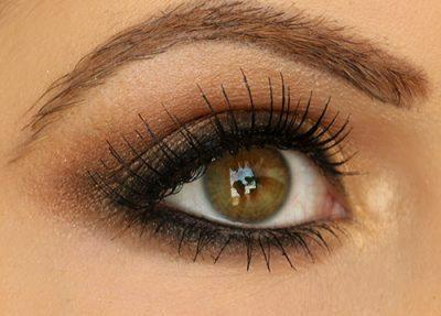 como maquillar unos ojos pequeños marrones