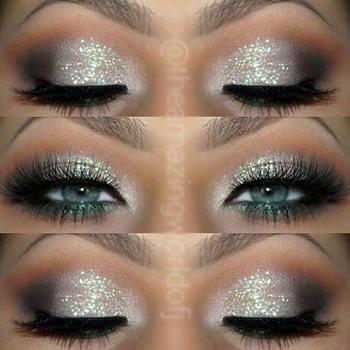 maquillaje de ojos con glitter plateado