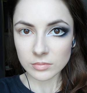 maquillaje para hacer ojos grandes impactante