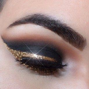 sombra de ojos negra con glitter